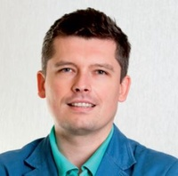 dr n. med. Bartosz Bryszewski
