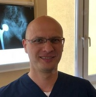 dr Paweł Bąk