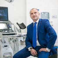 dr n. med. Piotr Stołtny
