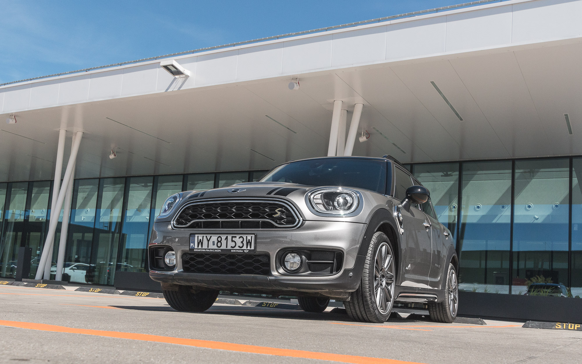 MINI-Countryman-Cooper-S-E-ALL4-11