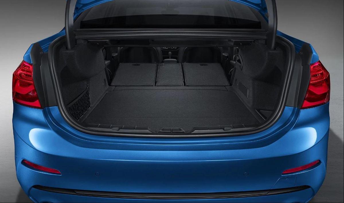 BMW-1-sedan-4