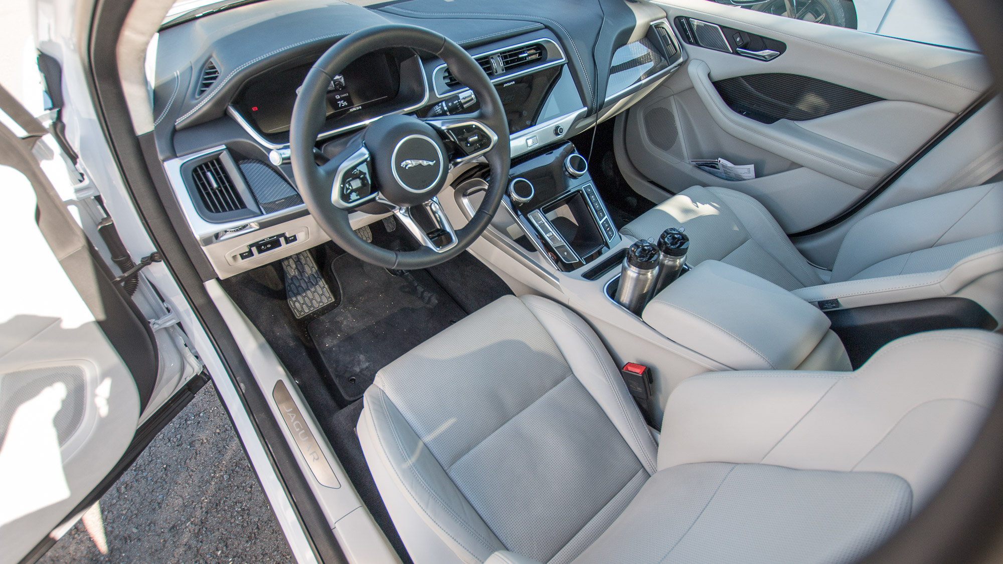 Jaguar-I-Pace-24