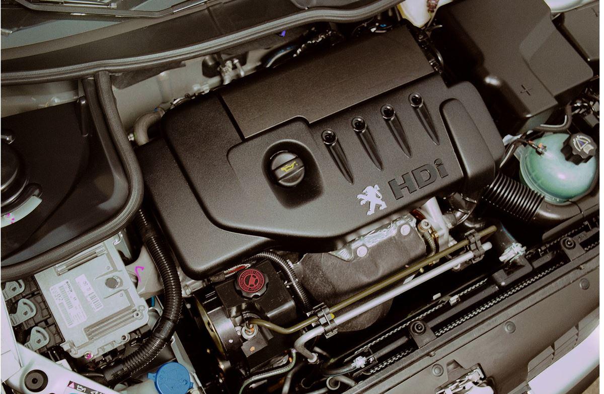 Peugeot-206-silnik