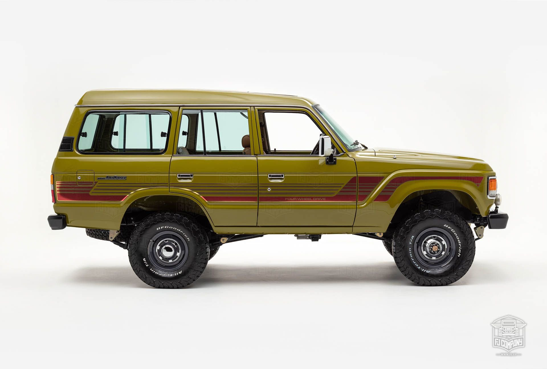 Toyota-Land-Cruiser-FJ62-restomod-2