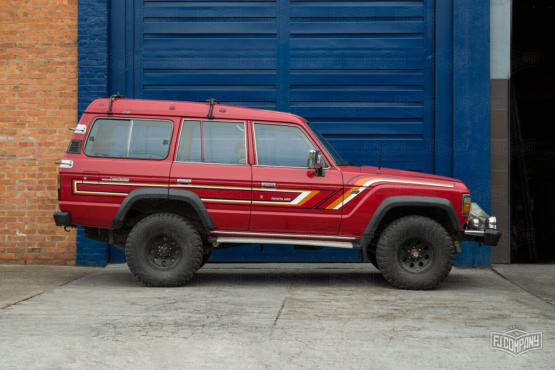 Toyota-Land-Cruiser-FJ62-restomod