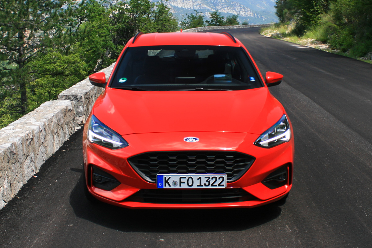nowy-ford-focus-2