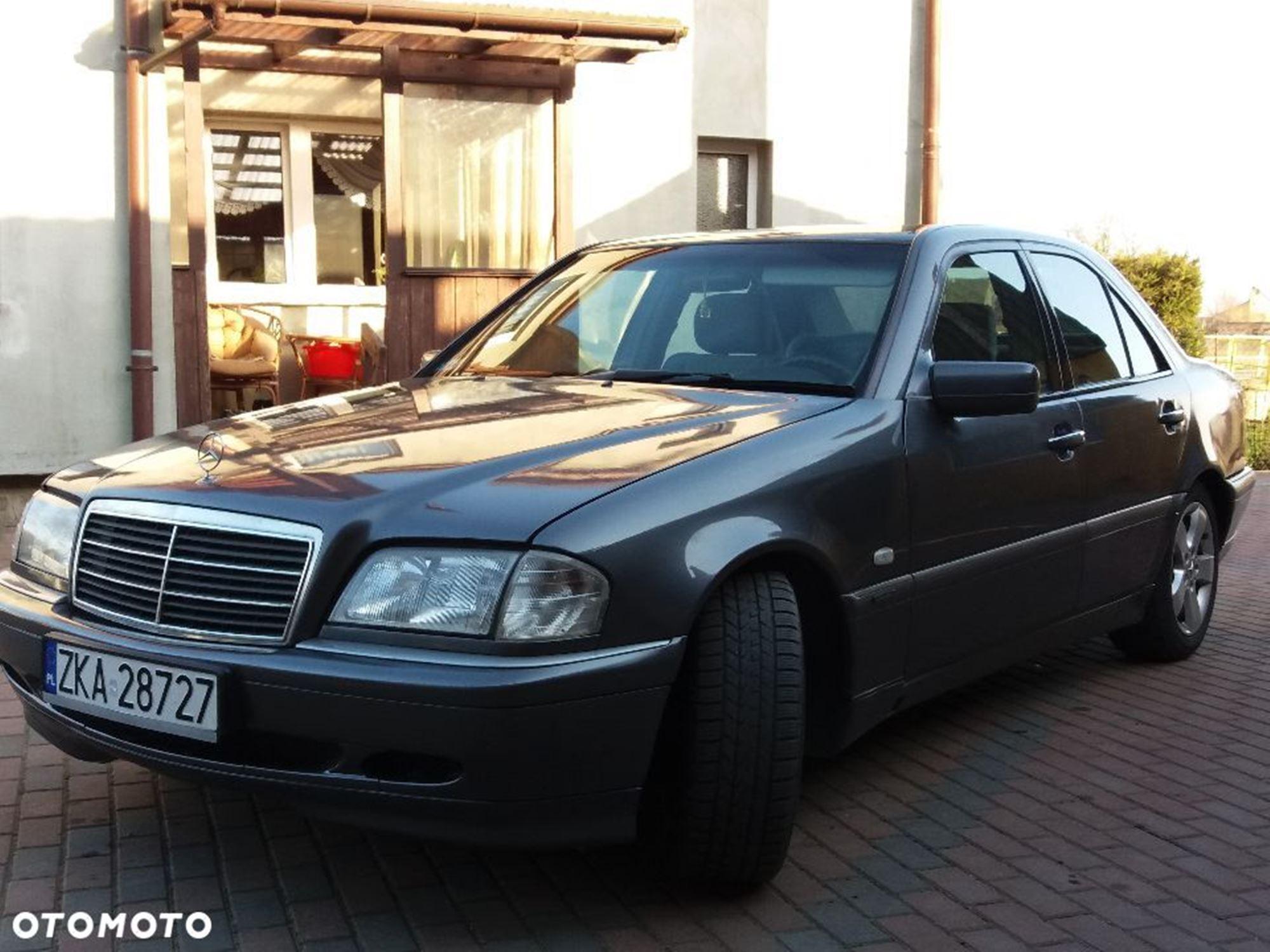 Mercedes C W202