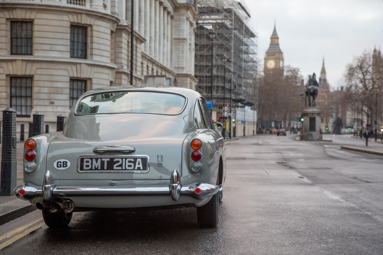 Aston Martin wyprodukuje repliki DB5 Będziesz m³gł jeździć jak Bond