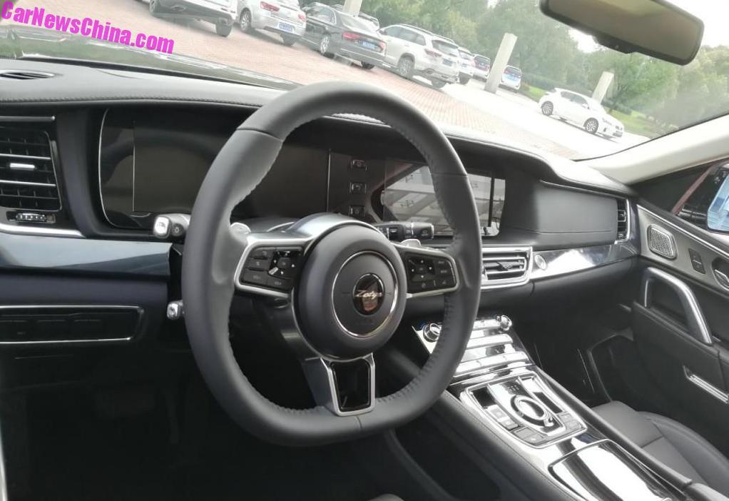 Chiński Range Rover wnętrze