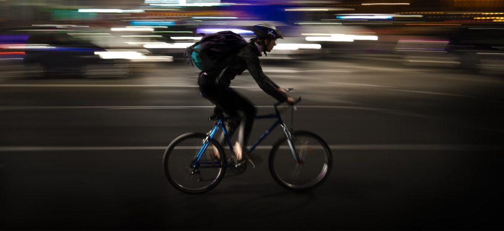 wyprzedzanie-rowerzysty na podwójnej ciągłej
