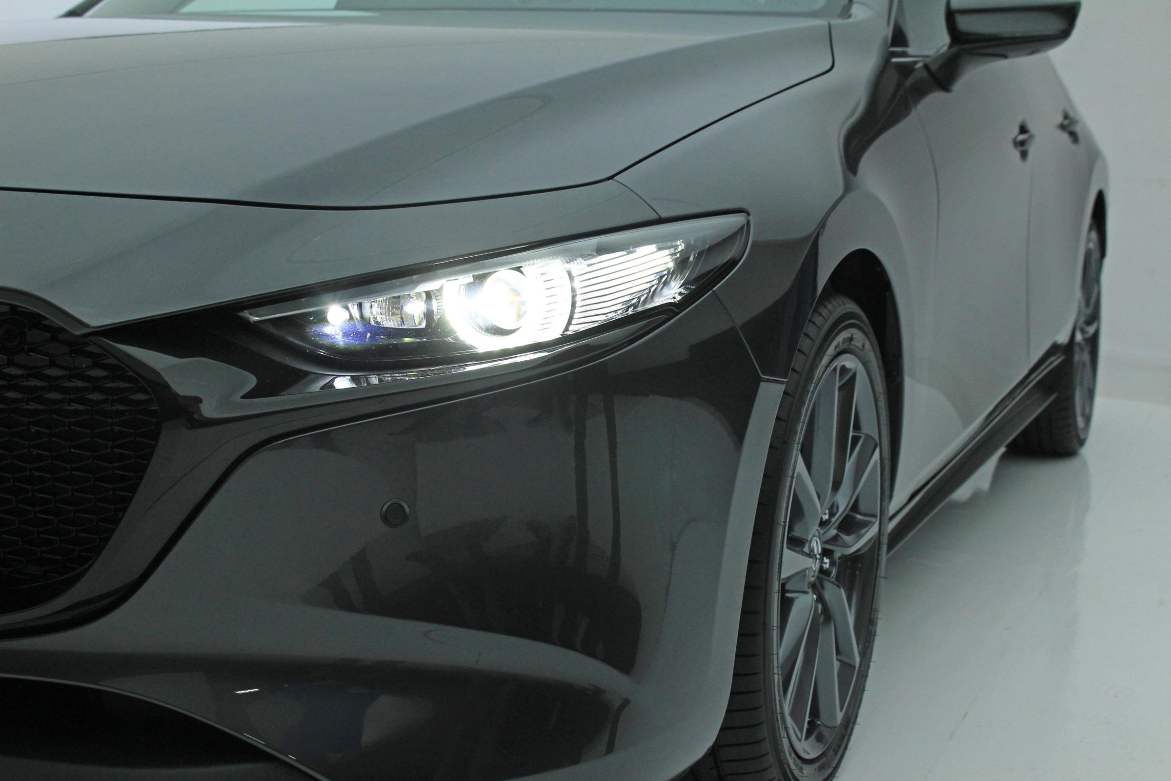 nowa Mazda 3 2019