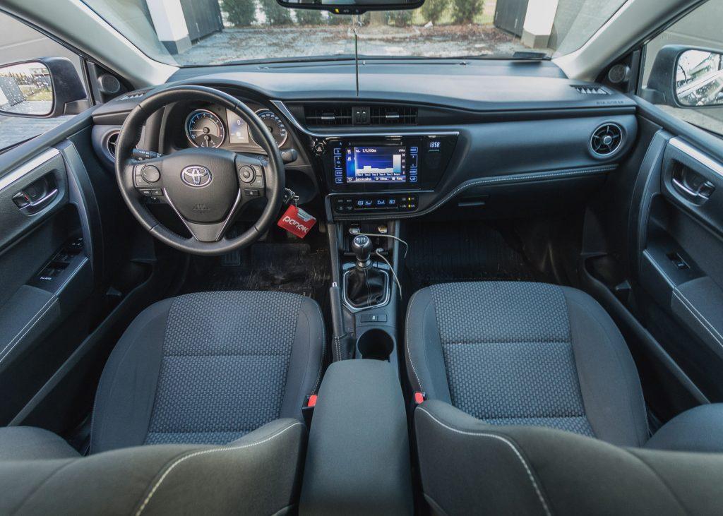 Zupełnie nowe Toyota Corolla z rocznika 2018: czy to rozsądny zakup? YZ66