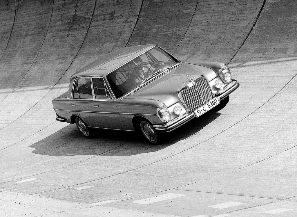 Mercedes M100 konstrukcja
