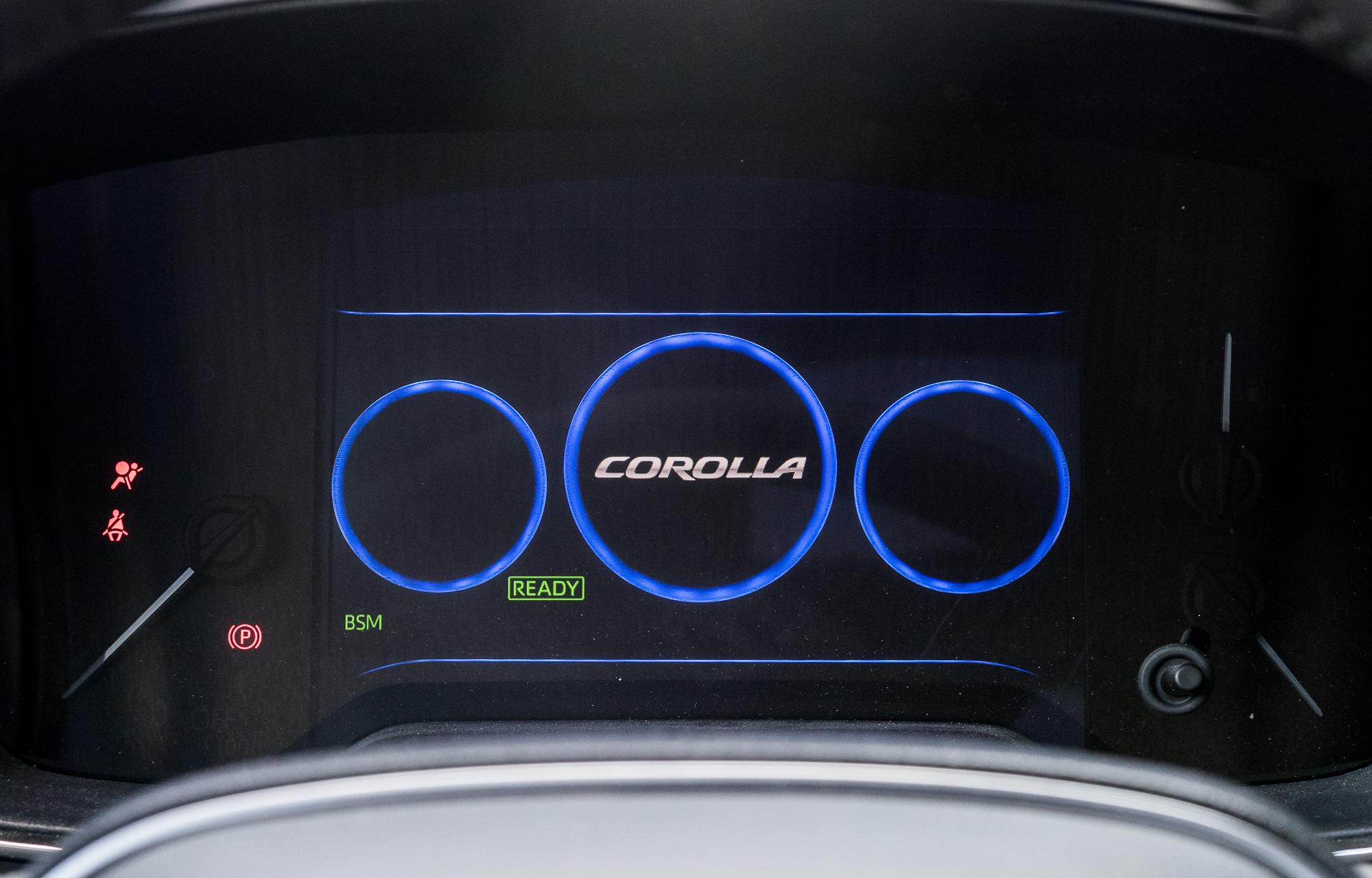 toyota-corolla-2-0-hybrid-test-2019-5