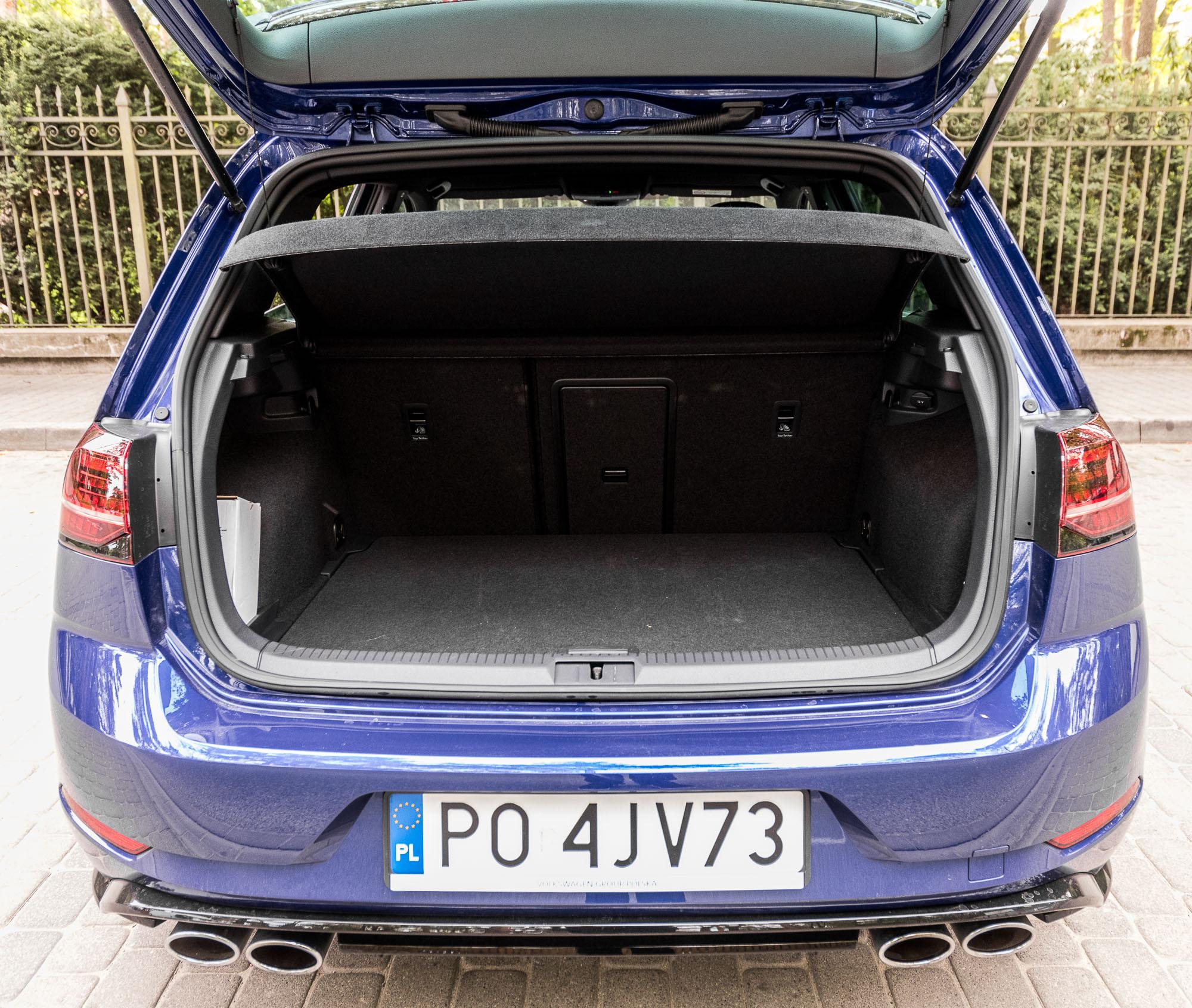 VW Golf R bagażnik