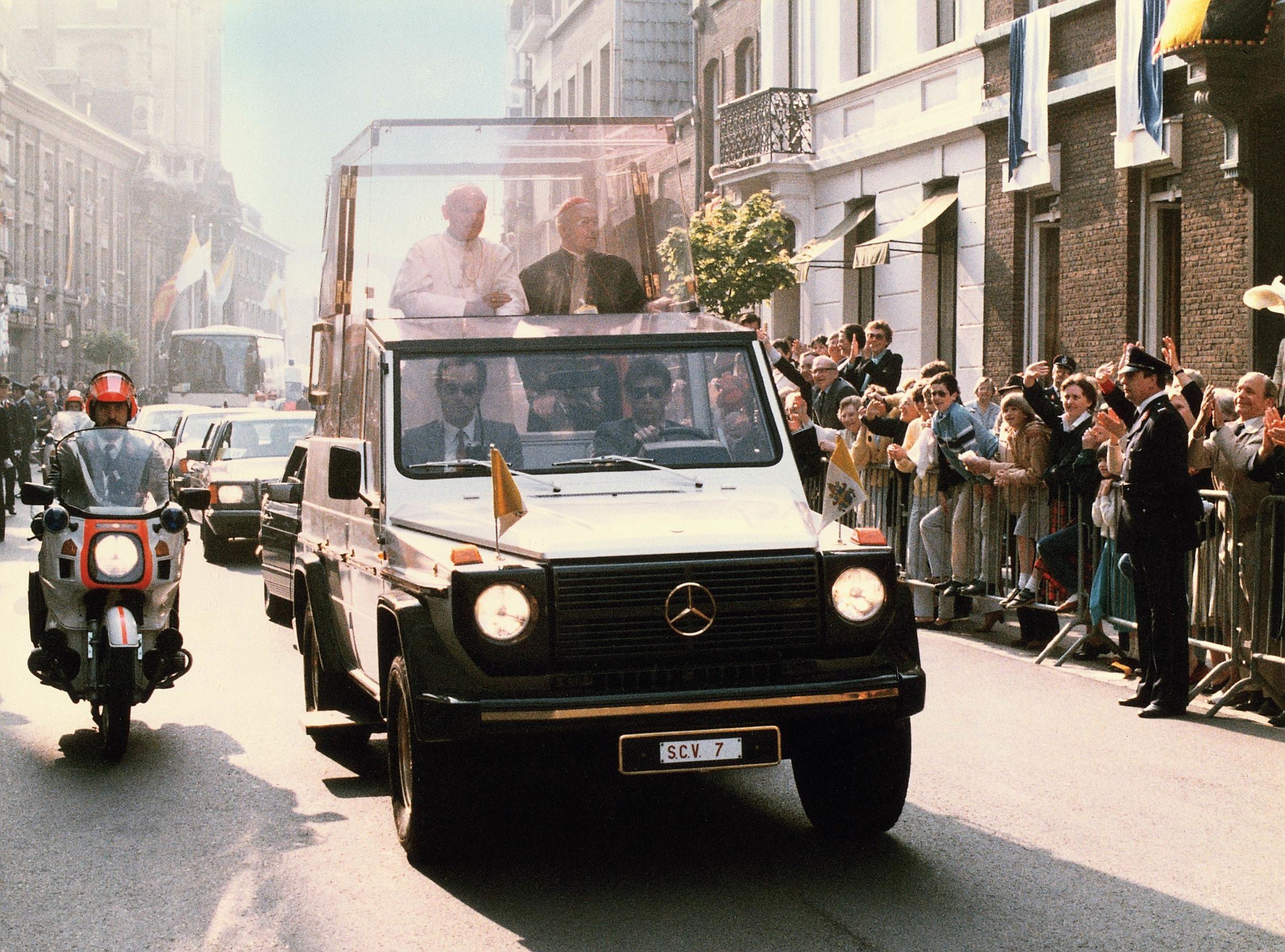Papamobile Mercedes G