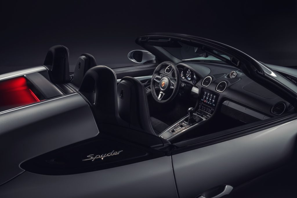 Porsche Cayman GT4 2019