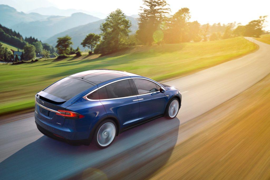 Tesla złamany pedał gazu
