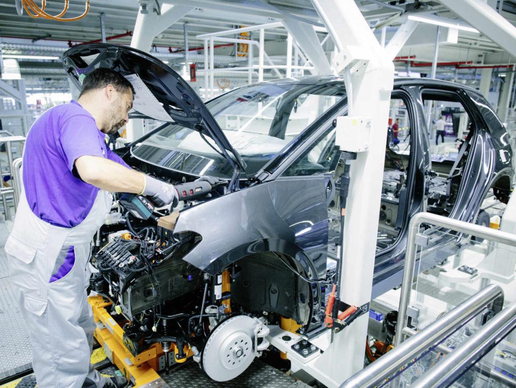 produkcja nowych aut wstrzymana