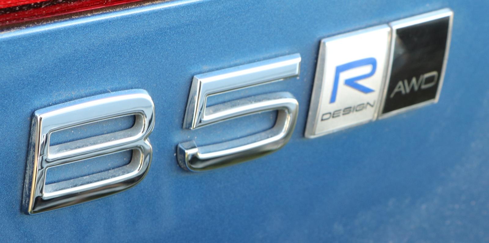 volvo xc60 r-design ceny