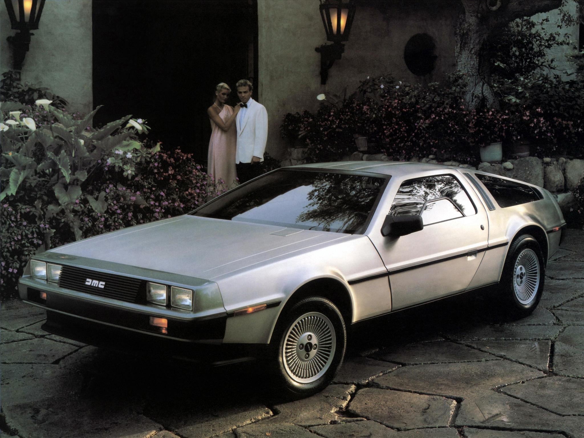 nowy DeLorean DMC 12