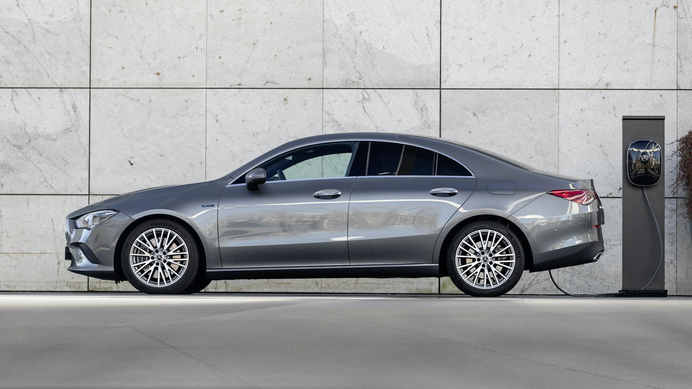 Mercedes cLA hybryda