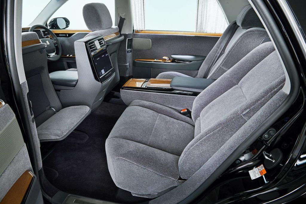 Toyota V8
