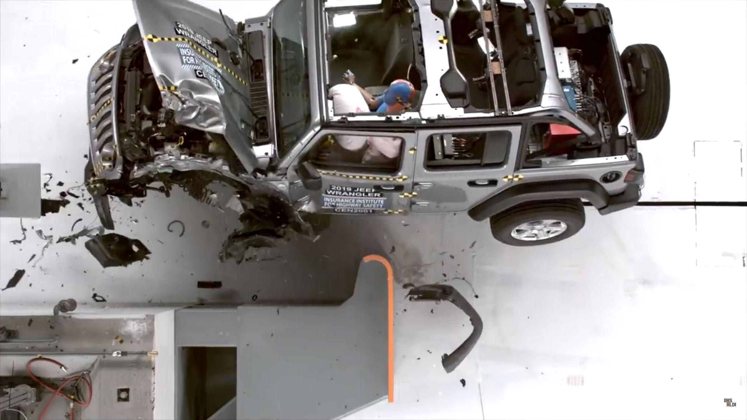 Jeep Wrangler test zderzeniowy