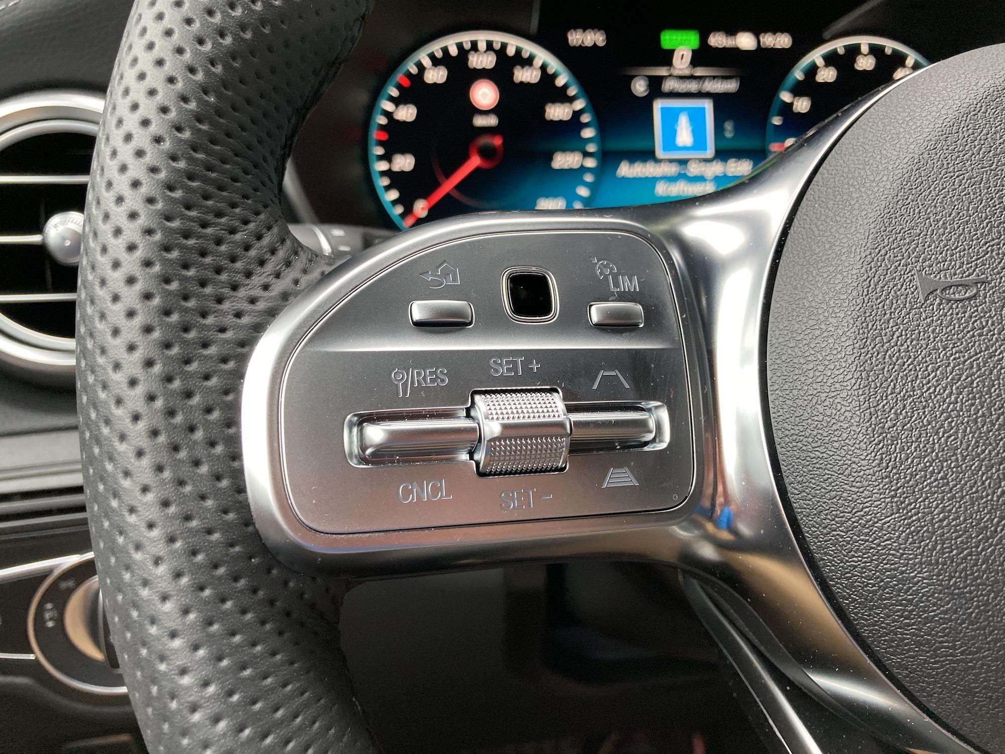 Mercedes GLC audio