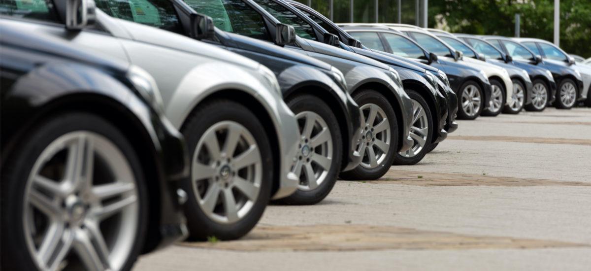 sprzedaż samochodów w UE