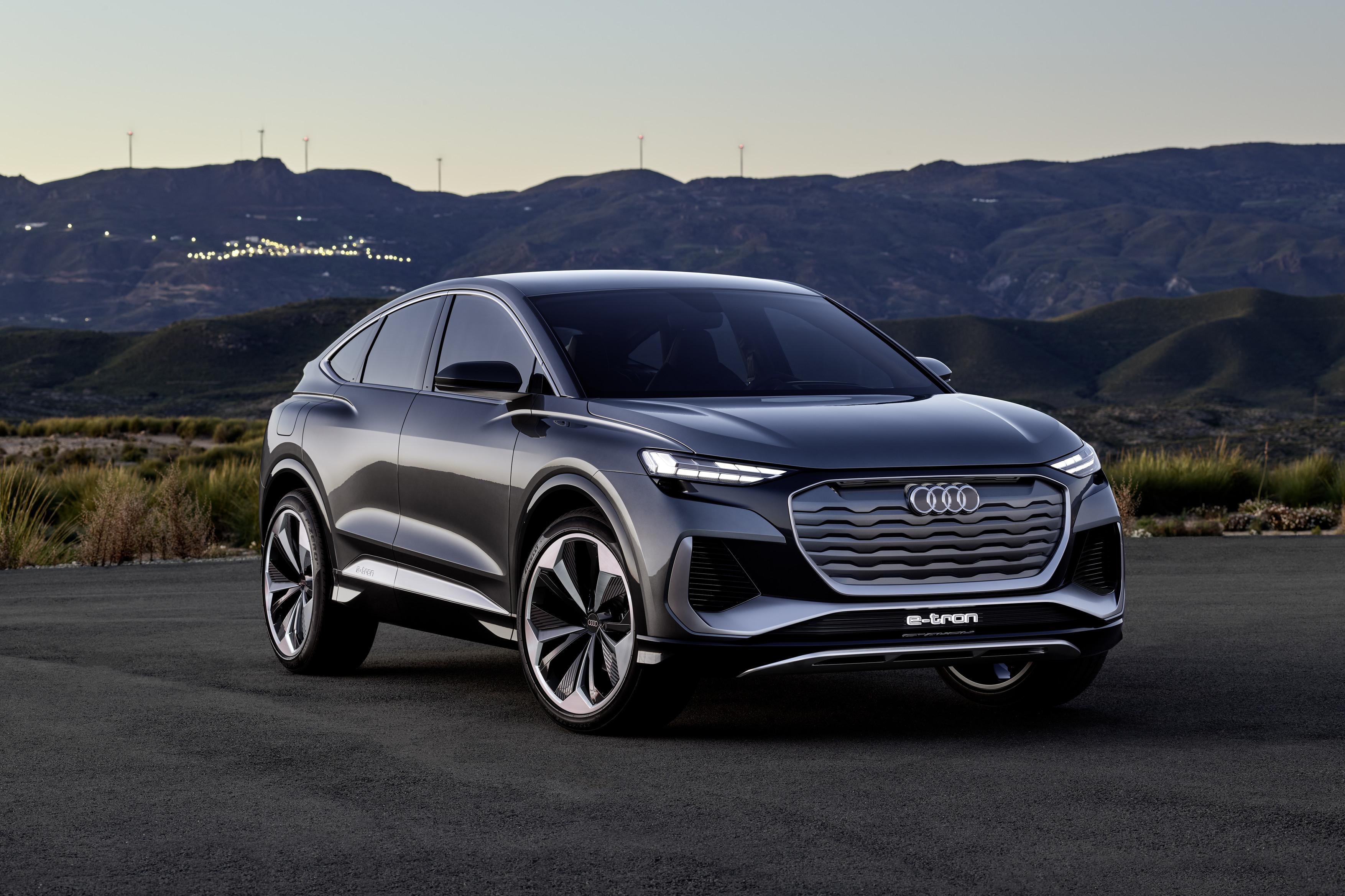 Audi Q4 e-tron nuovi suv 2021 DEaler on Fire