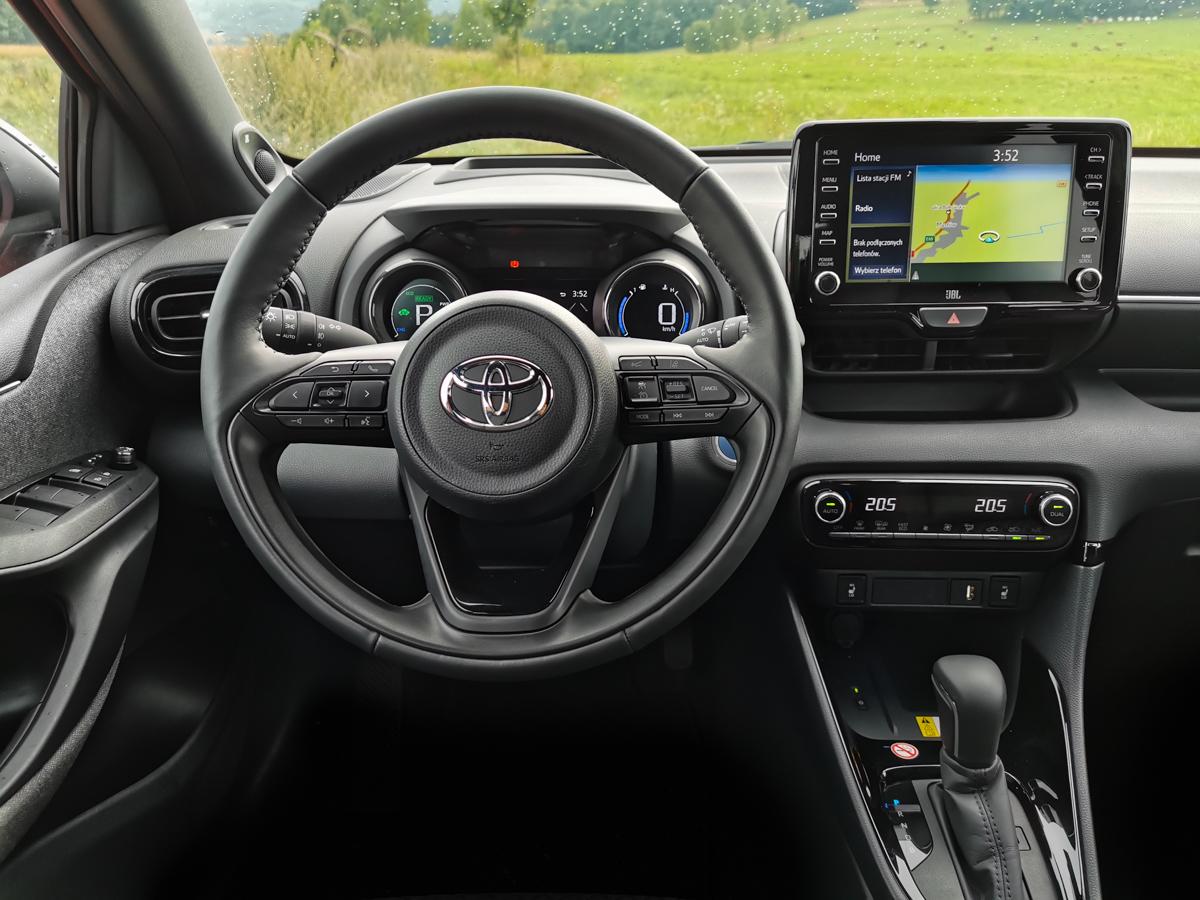 nowa Toyota Yaris Hybrid