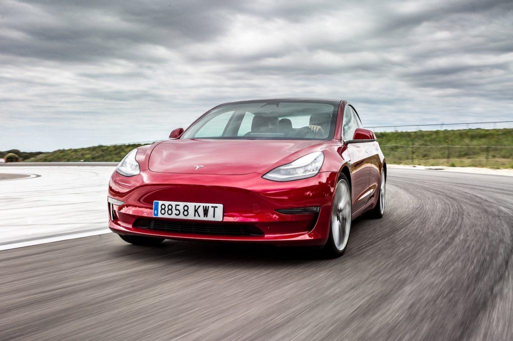 nowe technologie w samochodach prawo 1