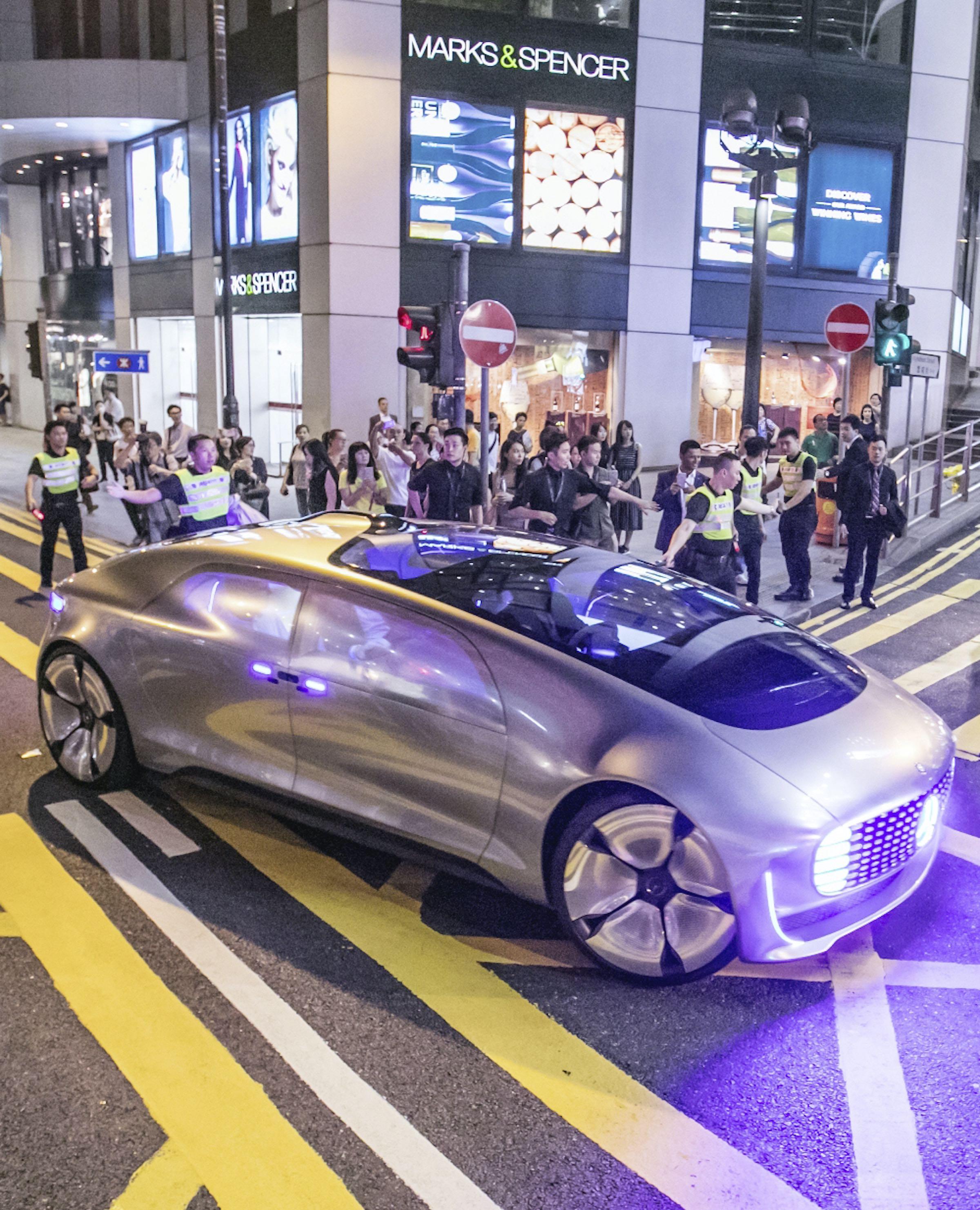Mercedes samochody autonomiczn