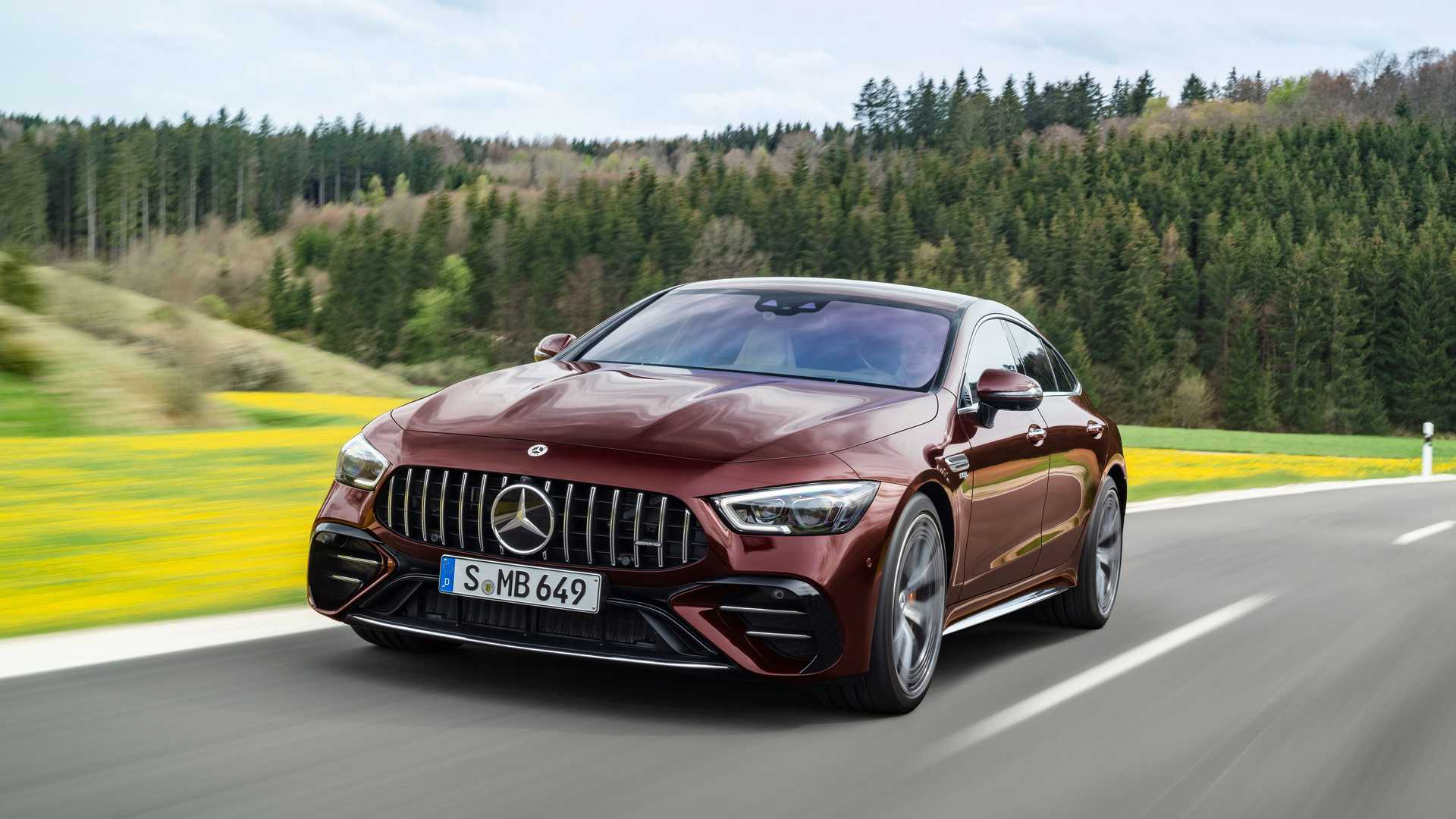 mercedes-amg gt 4door coupe lifting