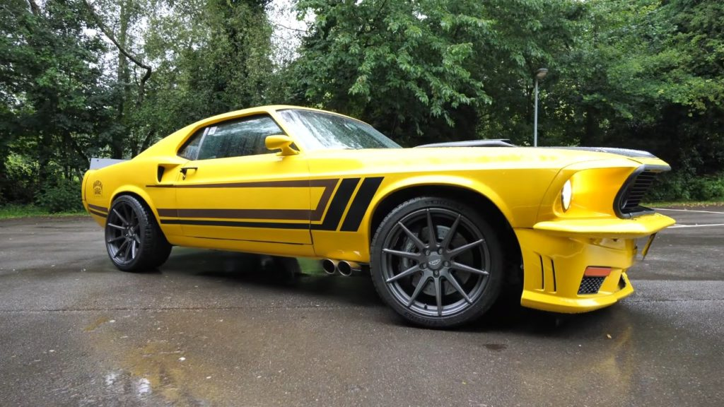 Mustang czy Mercedes