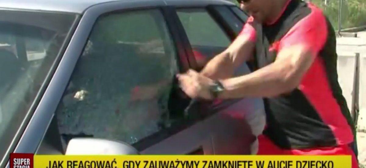 Ratowanie dzieci i psów pozostawionych w samochodach – oficjalne stanowisko policji