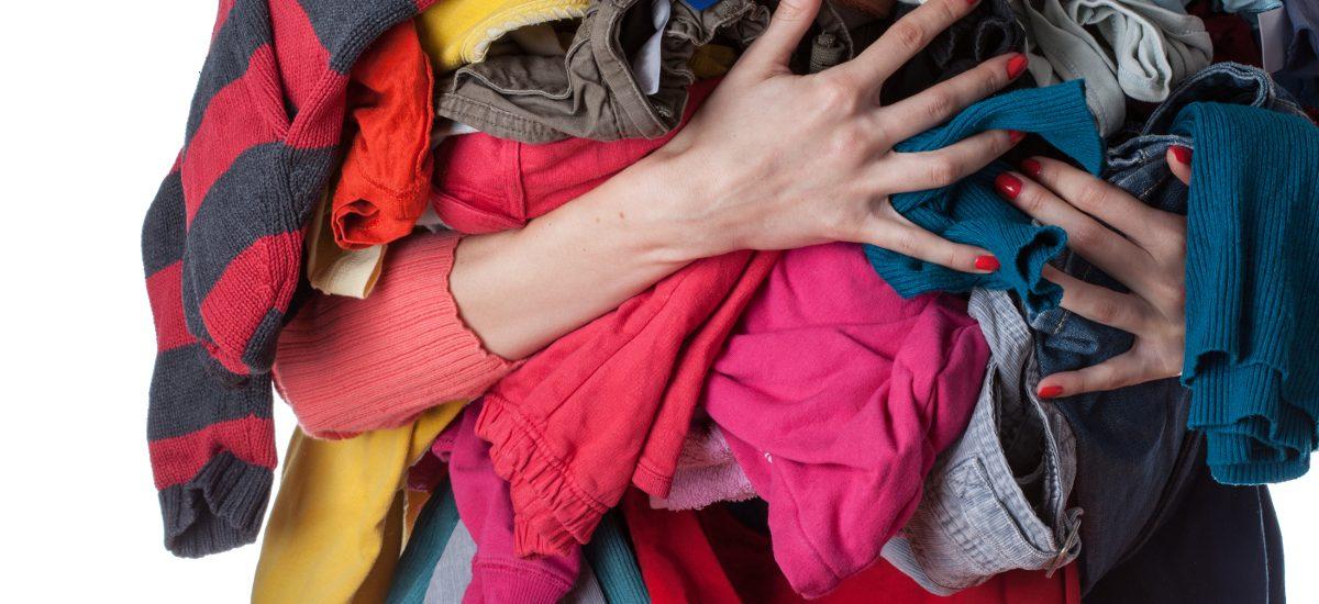 Zemsta zazdrosnej kobiety – 10 kartonów ubrań trafiło na Allegro