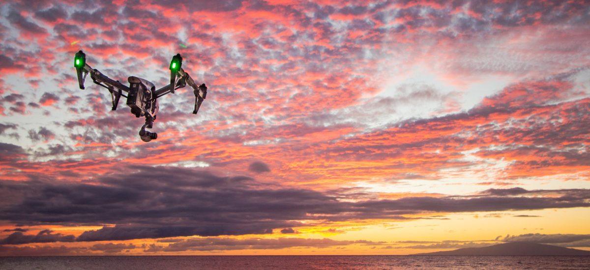 Halo, wieża? Chciałem zgłosić lot mojego drona – przyszłość naszych dronów wg Komisji Europejskiej