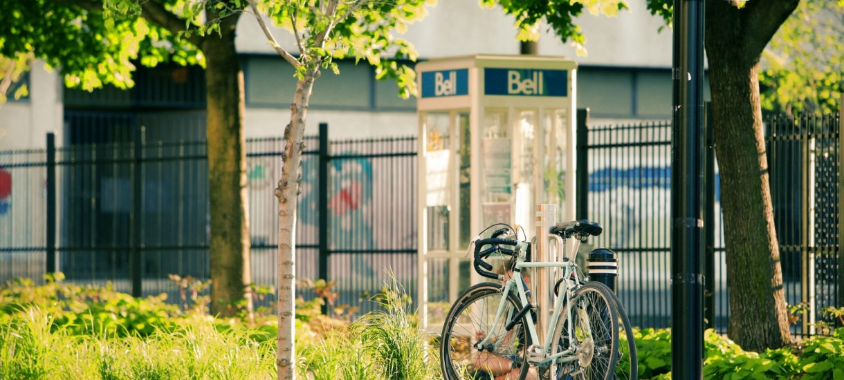 Czy pieszy na ścieżce rowerowej ma rację bytu?