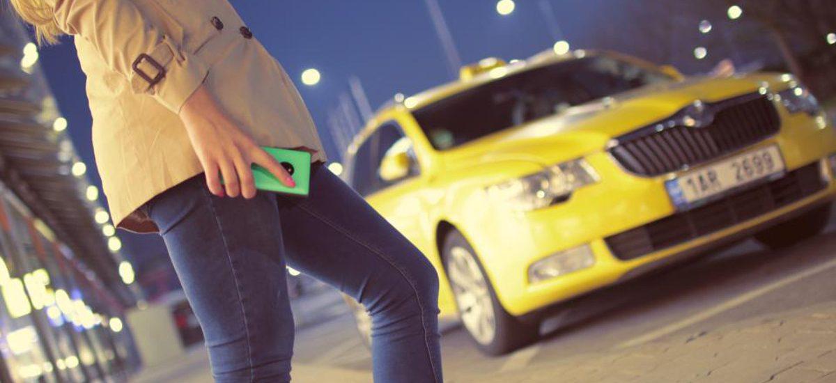"""Czy """"obywatelskie zatrzymanie"""" kierowcy Ubera jest legalne?"""