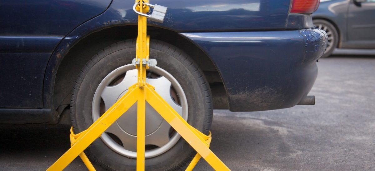 W wielu miastach opłaty za parkowanie są pobierane bezprawnie