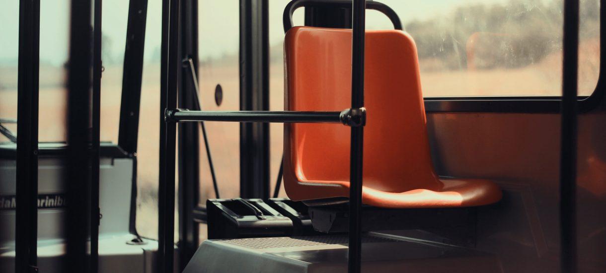 W Rumunii nie musisz mieć biletu autobusowego… jeśli czytasz książkę