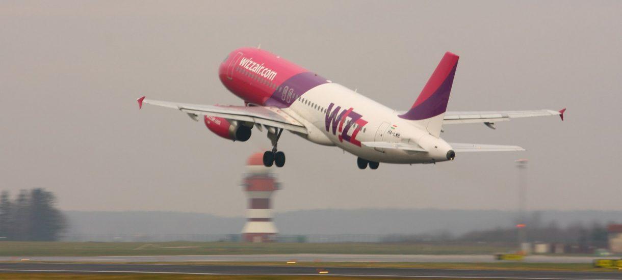 WizzAir rezygnuje z opłat za duży bagaż podręczny