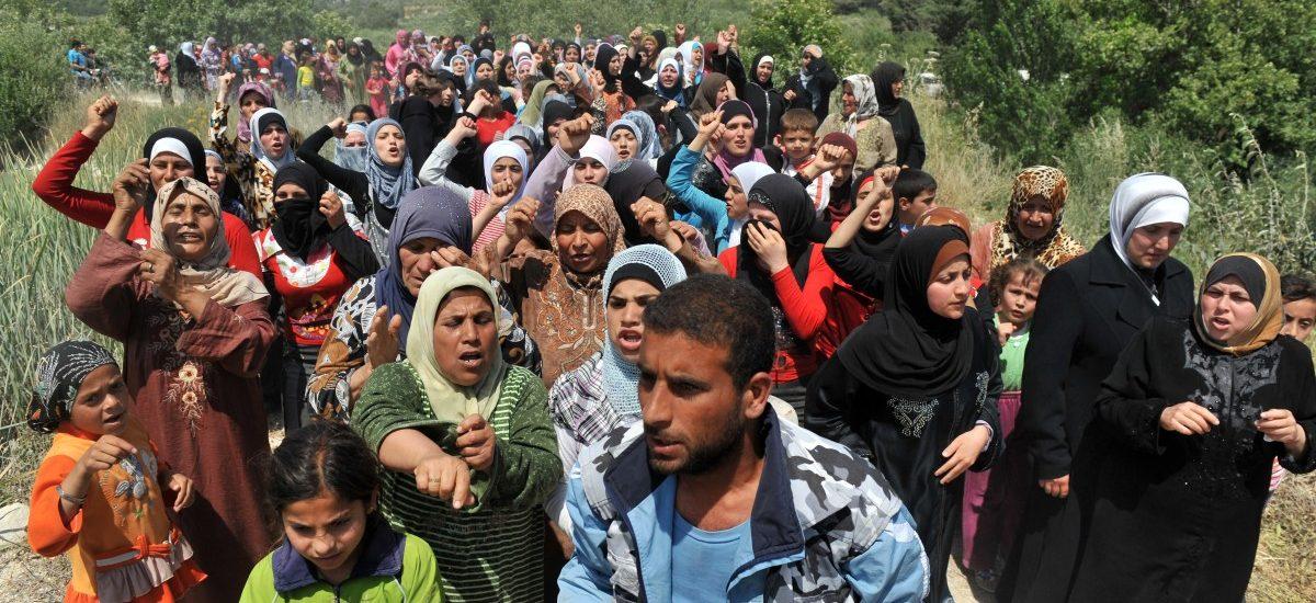 """""""Przyjmiecie uchodźców lub… stracicie dotacje z Unii Europejskiej"""""""