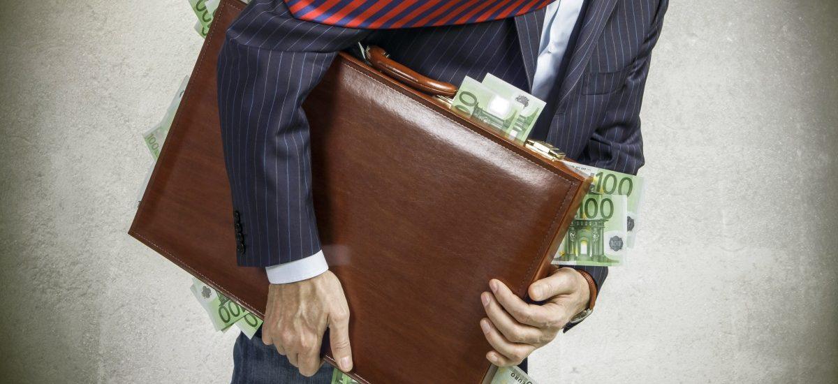 Ile zarabiają posłowie i senatorowie?