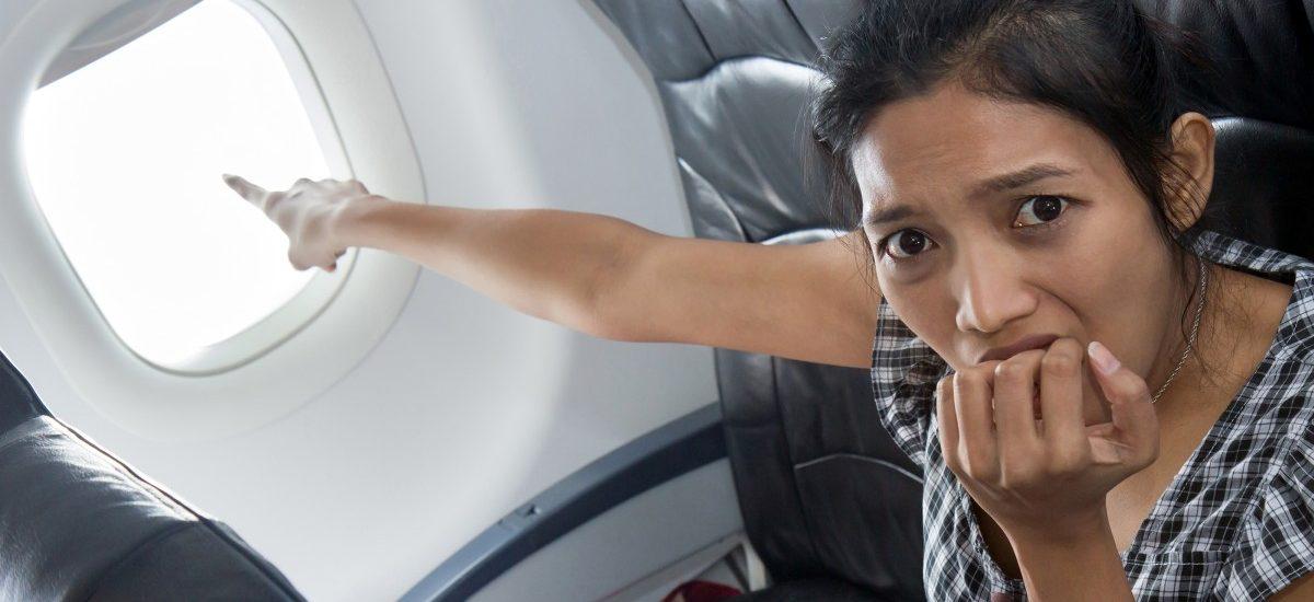 Głupie żarty w samolocie mogą być bardzo kosztowne
