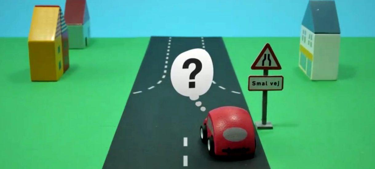 Nietypowa ulica i jej oznakowanie – jak nią jeździć?