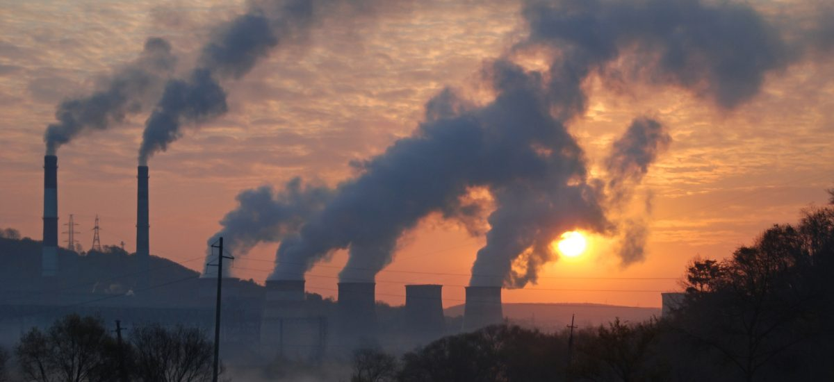 Walka ze smogiem – darmowe autobusy i częstsze kontrole pieców