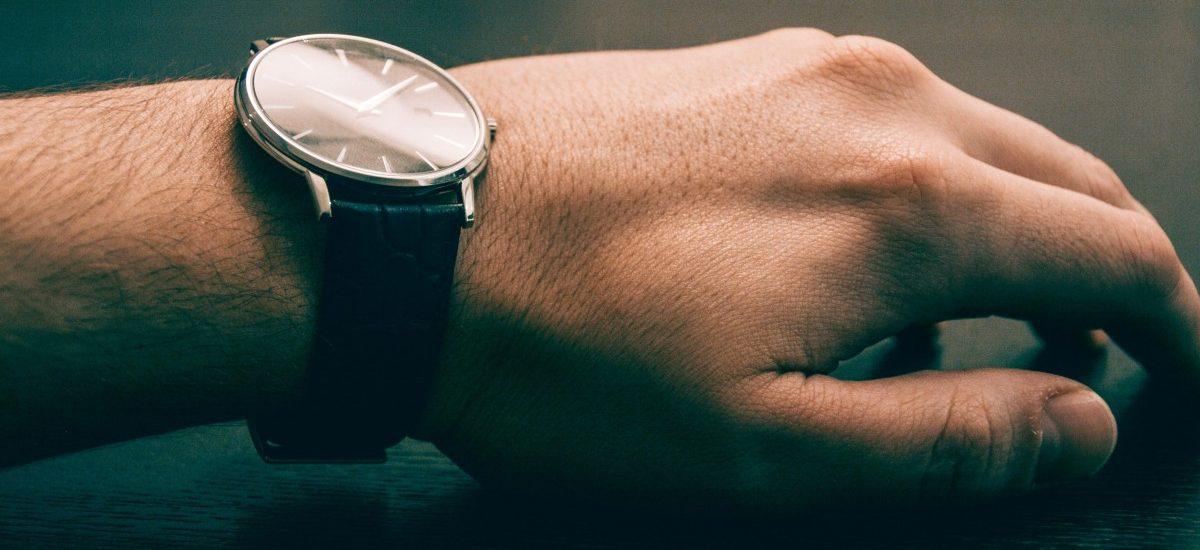 UOKiK: zmowa cenowa sprzedawców zegarków – ponad 2,12 mln kary!
